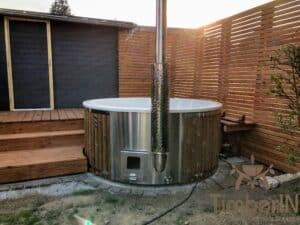 Wood fired hot tub with jets – TimberIN Rojal 3 4