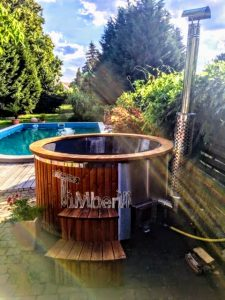 Fiberglass lined hot tub with integrated burner thermo wood Wellness Royal 2