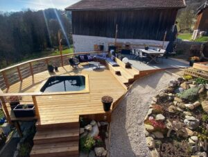Square wooden hot tub 2 1