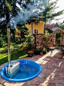 Wellness hot tub with internal heater terrace model