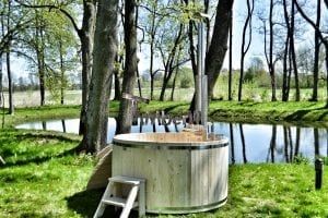 Wooden hot tub basic model made of siberian spruce larch 16