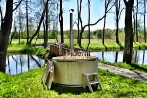 Wooden hot tub basic model made of siberian spruce larch 2