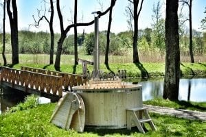 Wooden hot tub basic model made of siberian spruce larch 21