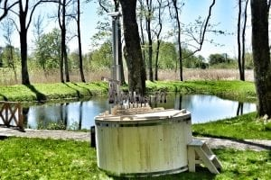 Wooden hot tub basic model made of siberian spruce larch 28