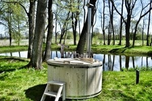 Wooden hot tub basic model made of siberian spruce larch 30