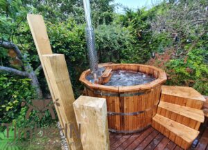Wooden hot tub possible with jets Deluxe thermowood 1