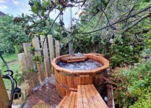 Wooden hot tub possible with jets Deluxe thermowood 2 2