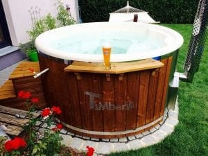 Fiberglass lined hot tub with integrated burner thermo wood Wellness Royal 1 2
