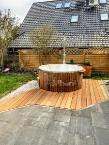 Fiberglass lined hot tub with integrated burner thermo wood Wellness Royal 1 6
