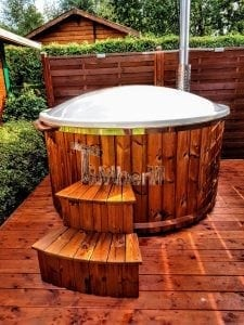 Fiberglass lined hot tub with integrated burner thermo wood Wellness Royal 4 1
