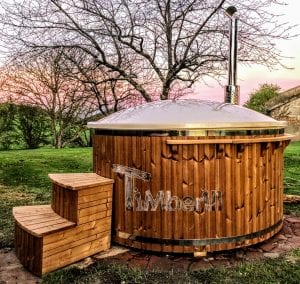 Fiberglass lined hot tub with integrated burner thermo wood Wellness Royal 7 1