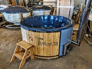 Fiberglass lined outdoor spa with integrated heater Spruce Larch Wellness Deluxe 1