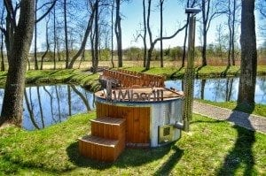 Fiberglass outdoor spa Wellness in thermo wood with wooden lid 14
