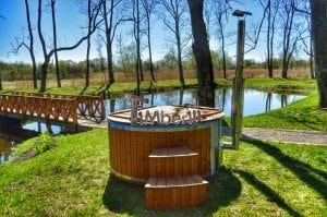 Fiberglass outdoor spa Wellness in thermo wood with wooden lid 18