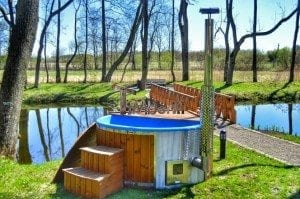 Fiberglass outdoor spa Wellness in thermo wood with wooden lid 4