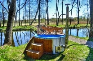 Fiberglass outdoor spa Wellness in thermo wood with wooden lid 5