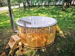 Outdoor fiberglass hot tub with integrated heater Wellness Deluxe 11