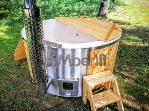 Outdoor fiberglass hot tub with integrated heater Wellness Deluxe 29