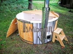 Outdoor fiberglass hot tub with integrated heater Wellness Deluxe 4