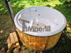Outdoor fiberglass hot tub with integrated heater Wellness Deluxe 9 1