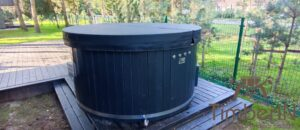 WPC hot tub with electric heater 7
