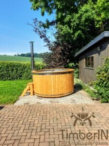 Wooden hot tub with jets jacuzzi 1