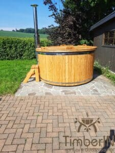 Wooden hot tub with jets jacuzzi 3
