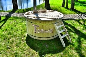 Wood fired hot tub for garden. Includes sand filtration 2 LED and wall insulation 12