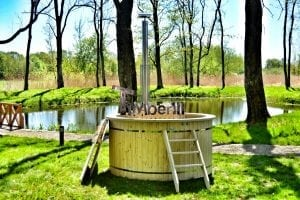 Wood fired hot tub for garden. Includes sand filtration 2 LED and wall insulation 22