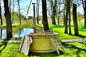 Wood fired hot tub for garden. Includes sand filtration 2 LED and wall insulation 23