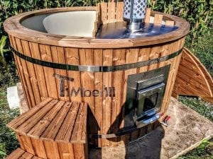 Outdoor spa with polypropylene liner 19