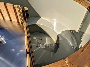 Outdoor spa with polypropylene liner 24