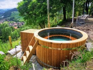 Outdoor wooden hot tub 1 1