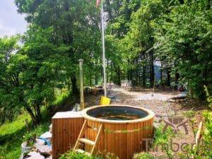 Outdoor wooden hot tub 2