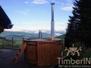 Outdoor wooden hot tub 3 1