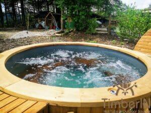 Outdoor wooden hot tub 4