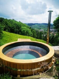 Outdoor wooden hot tub 5