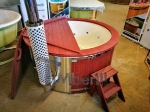 Fiberglass lined outdoor hot tub integrated heater with wood staining in red 2