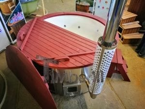 Fiberglass lined outdoor hot tub integrated heater with wood staining in red 4