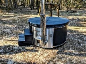 Black fiberglass lined hot tub with integrated burner Wellness Scandinavian 27