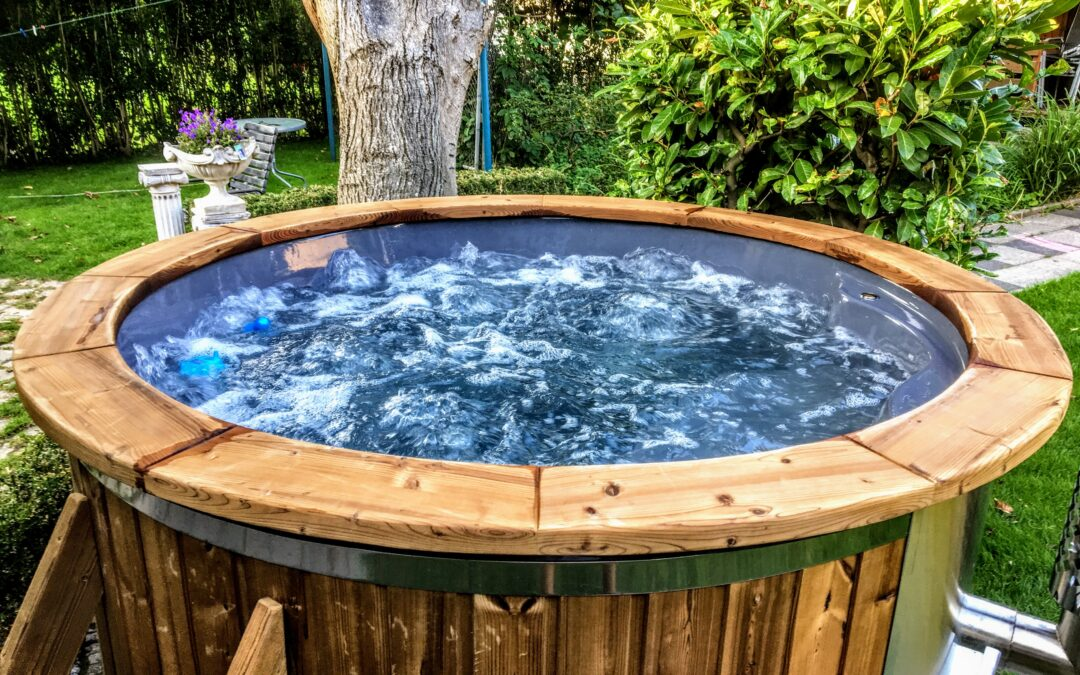 Hydrotherapy wooden hot tubs