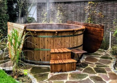 Wooden hot tub with snorkel heater