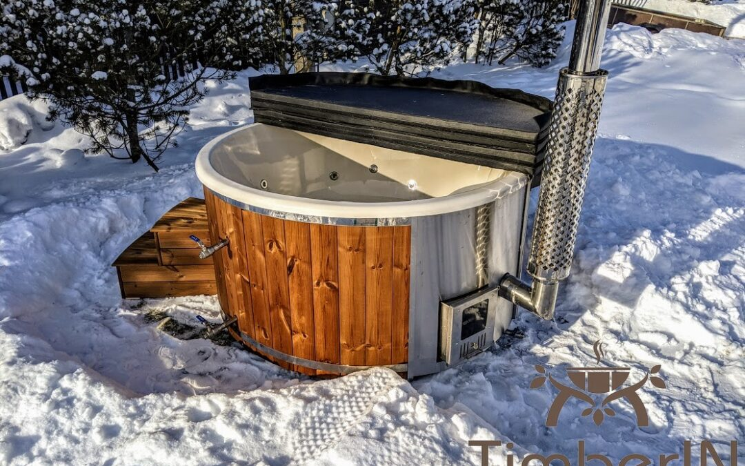 Wooden hot tub with integrated wood burner – a review