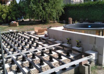 Building the outdoor terrace (11)