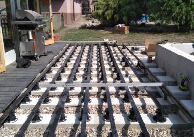 Building the outdoor terrace (12)