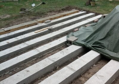 Building the outdoor terrace (3)
