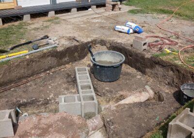 Preparing the base for a hot tub concrete (2)