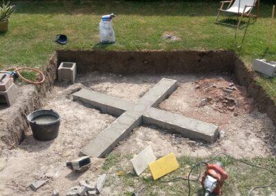 Preparing the base for a hot tub concrete (3)